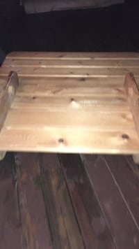 brown wooden pallet folding table Surrey, V3S 5T6