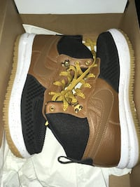 Brand new Never Worn Size 6.5 (Youth) Lunar Force 1 Duckboot Boot $80 NO TRADES Indianapolis, 46222