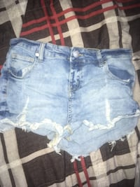 Shorts size 3 Winnipeg, R2L 2A4