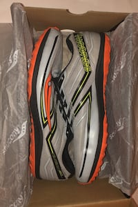 Size 9 - Saucony Racing Spikes
