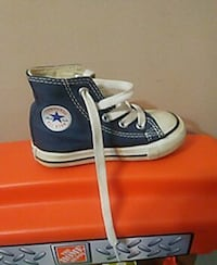 Toddlers size 5 converse shoes Perth, K7H 1X7