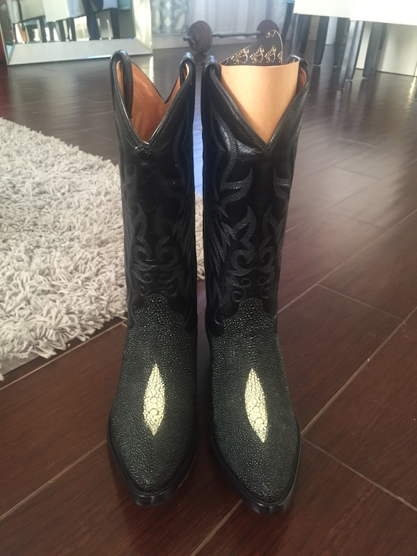 534ab942e Used Botas vaqueras SIZE 7.5 for sale in Corona - letgo
