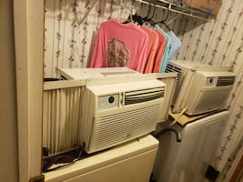 Ac unit,price includes both,they both blow really cold