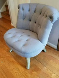 Grey Tufted Tweed Accent Chair Alexandria, 22314
