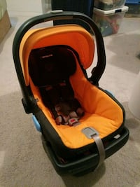 baby's orange and black car seat carrier Woodbridge, 22192