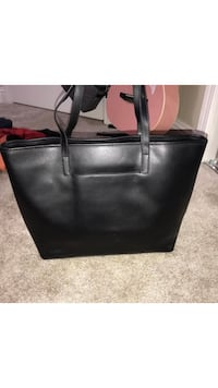 Michael Kors purse brand new. Bigger then I like to carry Bakersfield, 93305