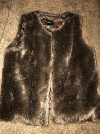 Fur vest Capitol Heights, 20743