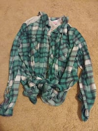 green and white plaid button-up shirt Spring, 77379