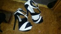 pair of white-and-black open toe pumps Roswell, 88201