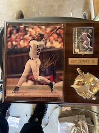 Ken Griffey Junior signed autograph with frame with jersey Wasco, 93280