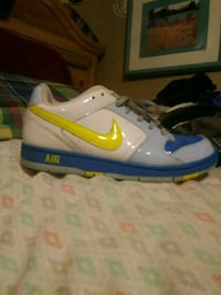 white-and-blue Nike low-top sneakers Augusta, 30906