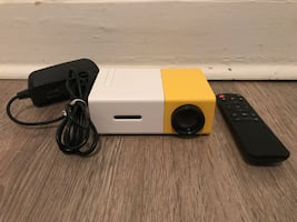 Kinstore portable LED mini-projector