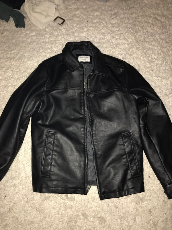 a0a42b1a6 Dockers leather jacket ( Men's small)