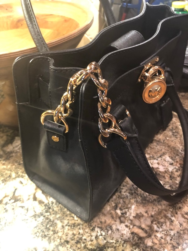 07374f5c9d65 Used Michael Kors Hamilton Nylon Medium for sale in Merrick - letgo