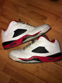 Jordan fire red 5 low size 11 Valley Stream, 11581