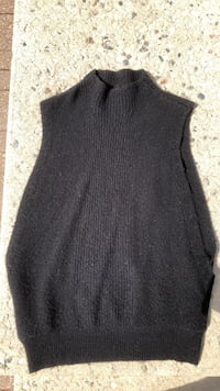 Banana Republic Sweater Winnipeg, R2C