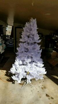 7' White lighted Christmas tree,   Bella Vista, 72714