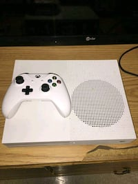 Xbox one s  Silver Spring, 20904