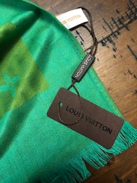 Brand New Never Worn Louis Vuitton Scarf Los Angeles, 90042