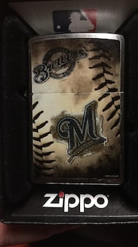 Authentic Milwaukee Brewers zippo Milwaukee, 53222