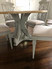 round shabby chic table with four chairs dining set Bethesda, 20817