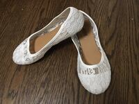 Lace Flat Shoes, White, Size 7 Toronto, M9P 2X1