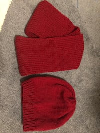Thick and warm hat and muffler ( round) New price Negotiable 28 km