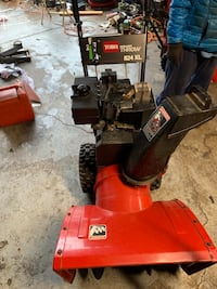 Toro Snow blower with electric start  Caledonia, 53404
