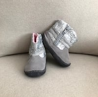 Stride Rite baby booties size 3- worn only once Mississauga, L5M 0C5
