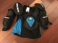 Kids hockey gear Grimsby, L3M 4J1