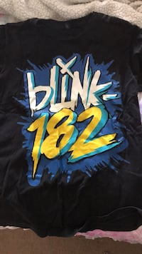 MEDIUM Blink-182 Shirt Winchester, 22601