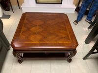 Brown stain finished coffee table Vaughan, L4L 9C5
