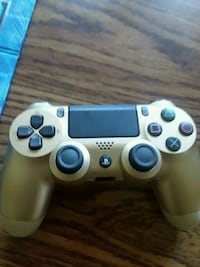 gray Sony PS4 game controller Des Moines, 50317