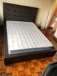 BOX SPRING SIZE QUEEN ( NO BED FOR SALE)..LE LIT NEST PAS A VENDRE  Montréal, H1E 4R1