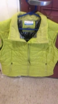 Columbia vest, large.  Please call  [TL_HIDDEN]  St Catharines, L2S
