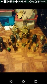 16 elephant figurines all sizes