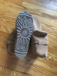 Brand new unlined UGG boots suede Edmonton, T5R