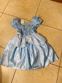 Cinderella costume for 4-6 years  London, N6K