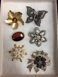 Assorted Brooches  New York, 11419