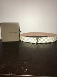 100% authentic white checkered Louis Vuitton belt size: 28-36 with box Toronto, M4C