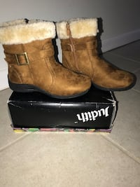 Ladies size 6 boots never worn Hampstead, 21074