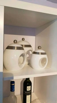 Set of 3 white ceramic snack storage jar North Vancouver, V7K 1K7