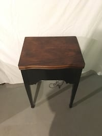 End Table/Sewing Machine