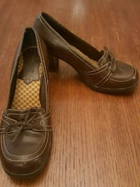 pair of brown ladies shoes.  MUDD. size 9.5 Laytonsville, 20882