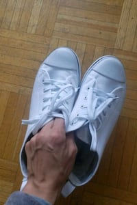 Brand new white shoes s8 London, N6B 1X6