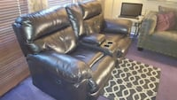 Leather loveseat double recliner Bolingbrook, 60440
