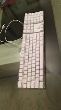 White apple gaming corded keyboard Surrey, V3T 4A9
