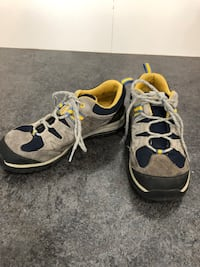 Boys size 5 Timberland shoes