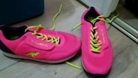Hot pink Roos women's runners size 8.5 Edmonton