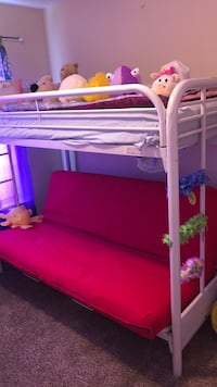 White bunk bed with mattress Ringgold, 30736